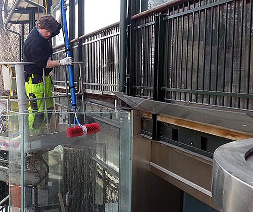 Fasadtvätt ultrarent vatten Specialrengöringar Sverige.