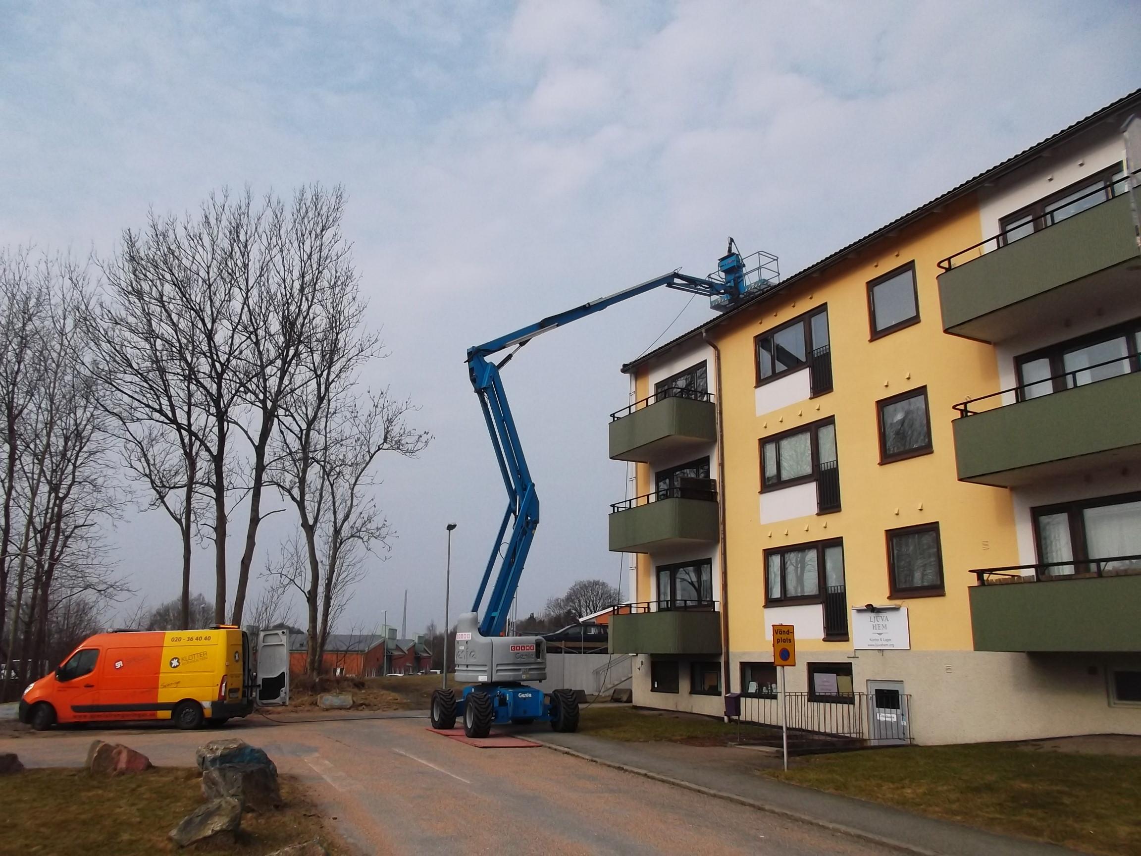 2018 ledsagare litet bröst i Göteborg
