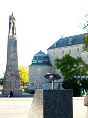 Staty av Karl XIV Johan i Örebro ska varsamt rengöras av Specialrengöringar Sverige