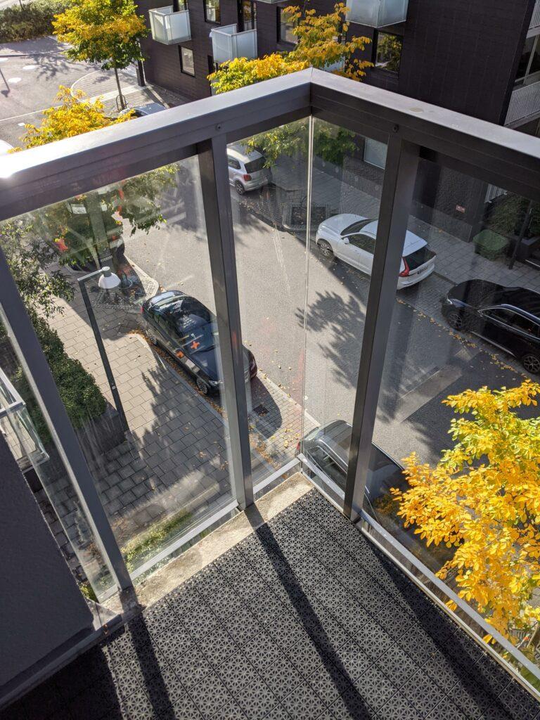 sanering av glas med kalkutfällningar och betongvatten